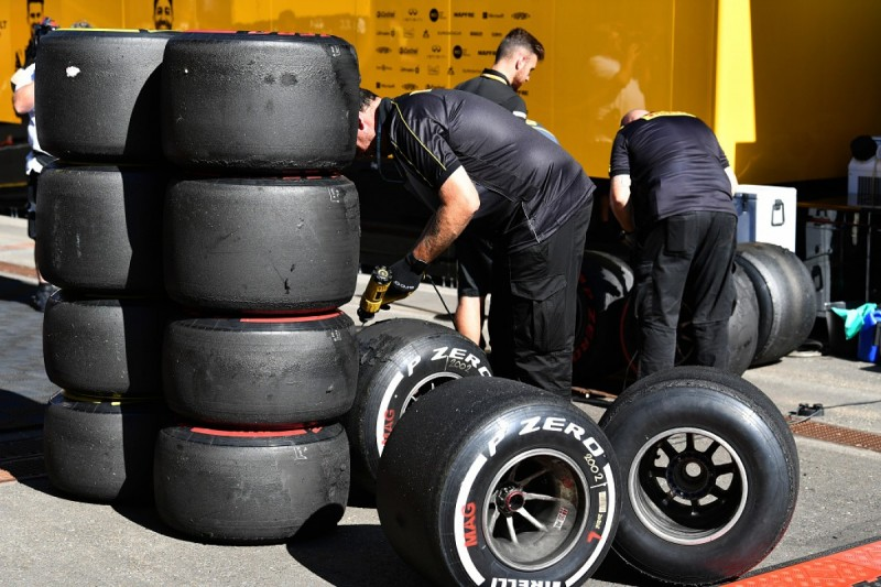 Formula 1 teams say they are not equipped for a tyre war revival