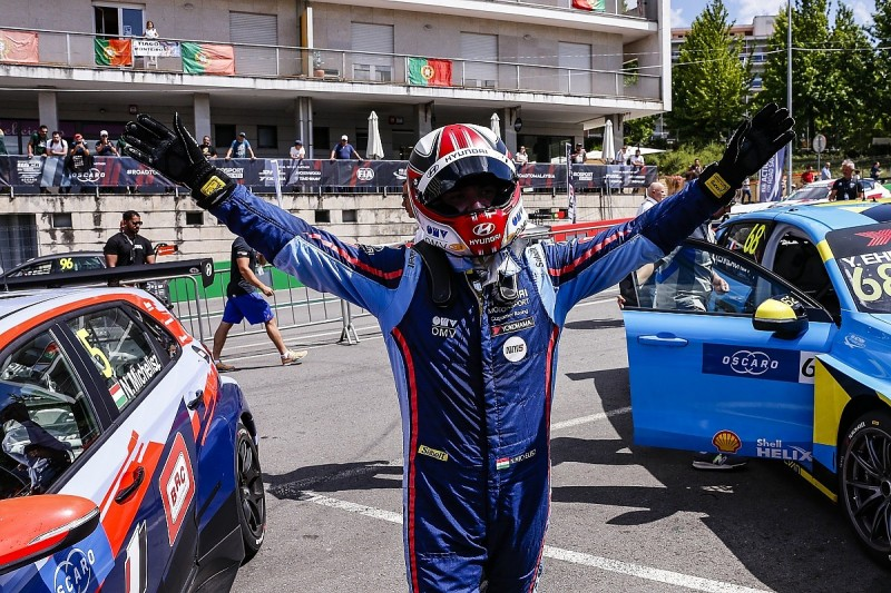 Michelisz closes in on WTCR leader Guerrieri after Vila Real win