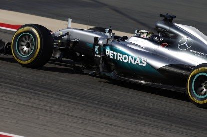 Mercedes drivers choose different F1 tyre strategies for Chinese GP
