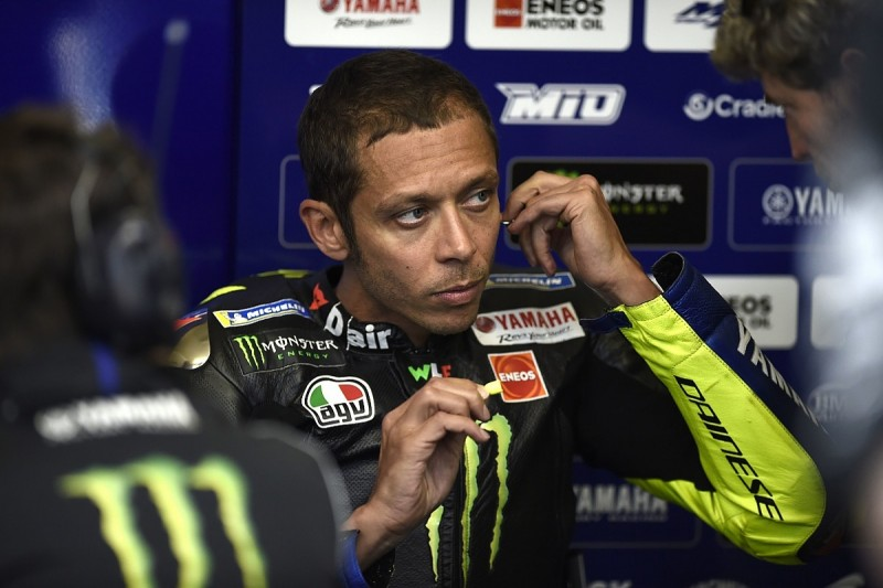 """Valentino Rossi """"can't keep up"""" with MotoGP rivals - Agostini"""