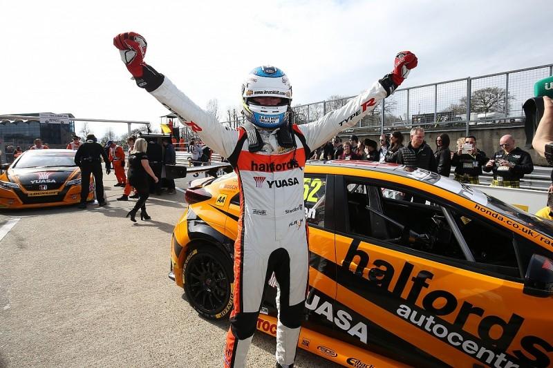 Gordon Shedden leads Honda one-two in Brands Hatch BTCC race two