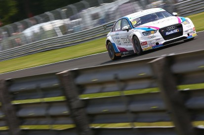 Oulton Park BTCC: Hill loses maiden win after clash with Neal
