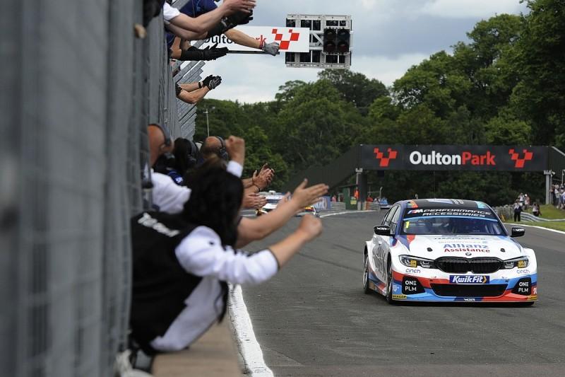 BTCC Oulton Park: BMW's Turkington dominates race one from pole