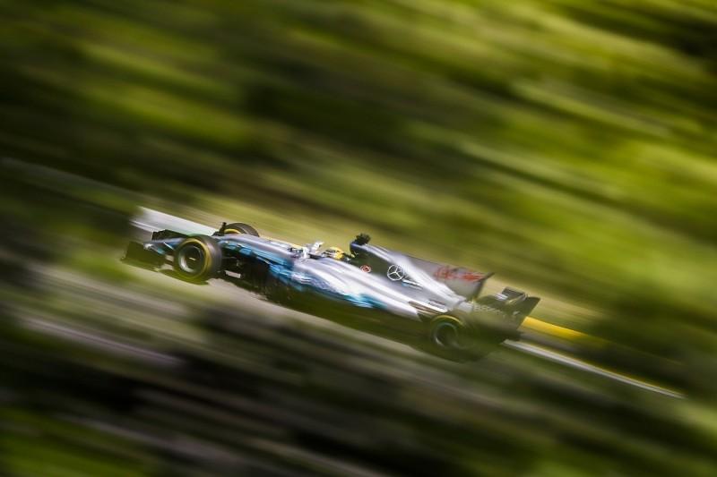 Formula 1's 2018 three-engine rule 'sucks' - Lewis Hamilton