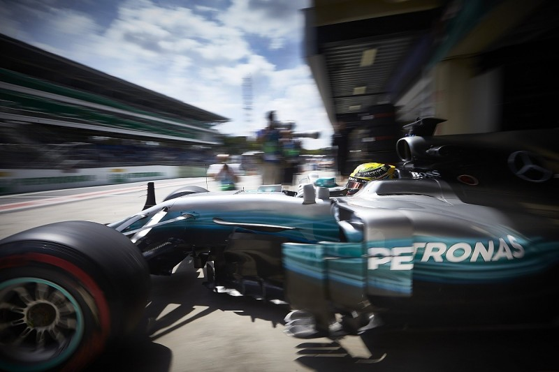 Mercedes F1 team personnel escape uninjured from Interlagos robbery