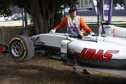 Esteban Gutierrez's Haas F1 chassis damaged by crane after crash