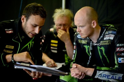 Bradley Smith signs factory MotoGP deal with KTM for 2017