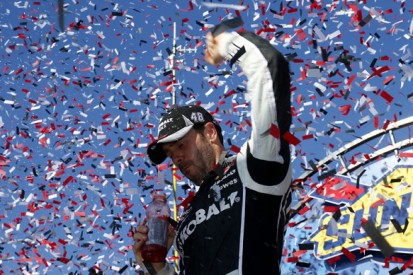 Dover NASCAR: Jimmie Johnson shrugs off late yellow to win again