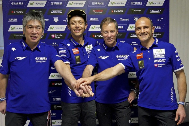 Valentino Rossi signs Yamaha MotoGP contract extension