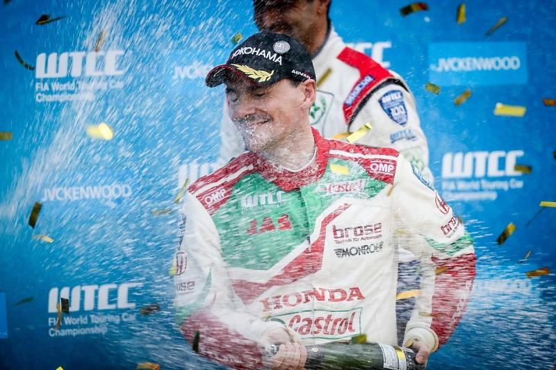 Motegi WTCC: Honda's Norbert Michelisz wins rain-truncated race