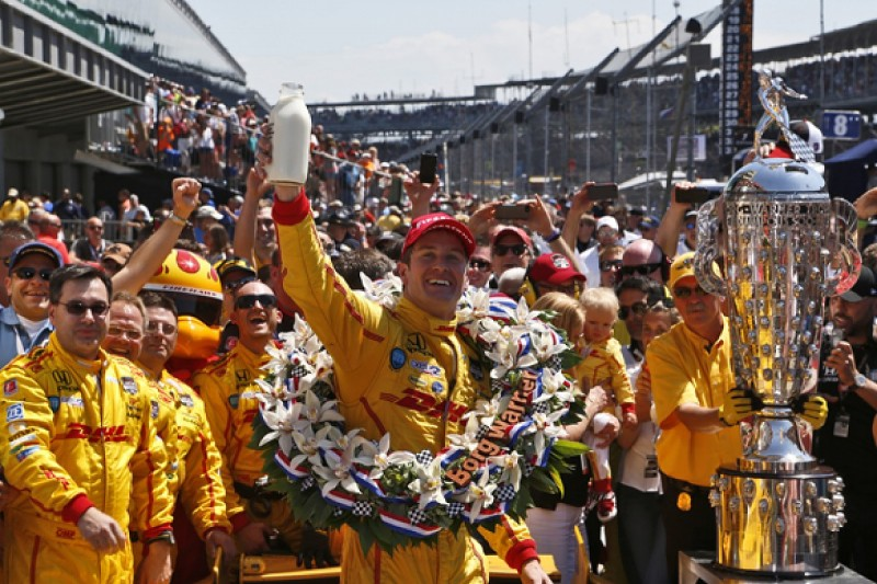 Indianapolis 500: Ryan Hunter-Reay beats Helio Castroneves to win