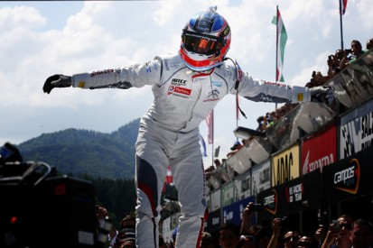 Salzburgring WTCC: Lopez extends points lead with race two win