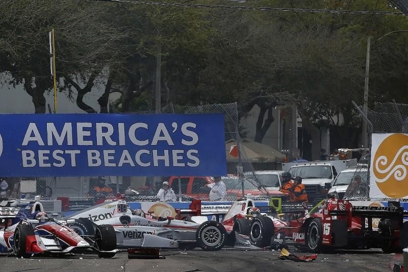 Rahal slams 'brain-dead' Munoz for St Petersburg IndyCar pile-up