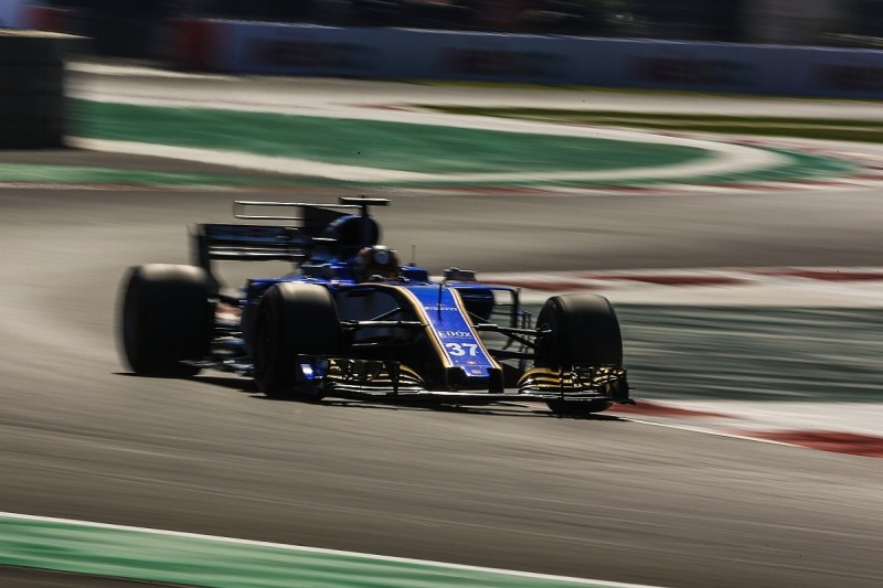 Sauber opts against using Ferrari parts on its 2018 F1 car