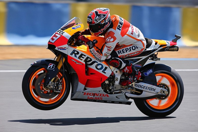 Le Mans MotoGP: Marquez leads from Iannone in FP2