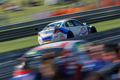 BTCC driver Ollie Jackson hits out at Thruxton over safety