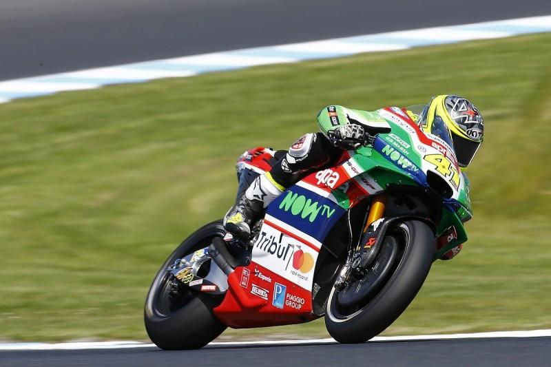 Espargaro fractures finger in Phillip Island MotoGP crash