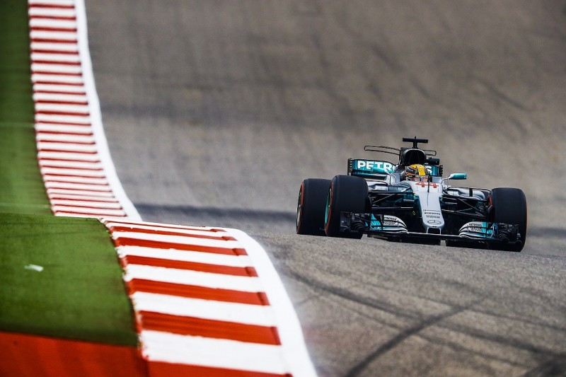 US Grand Prix: Hamilton beats Vettel by a tenth in final practice
