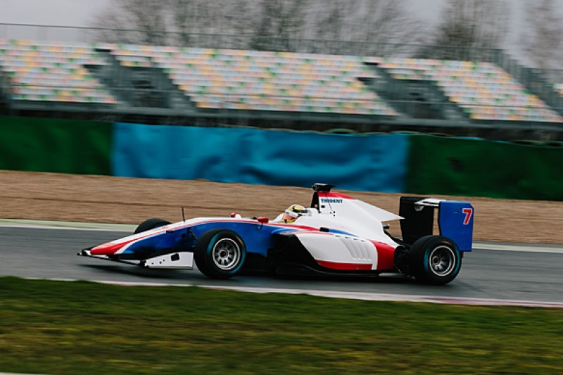 GP3 Series teams complete shakedown of new car for 2016
