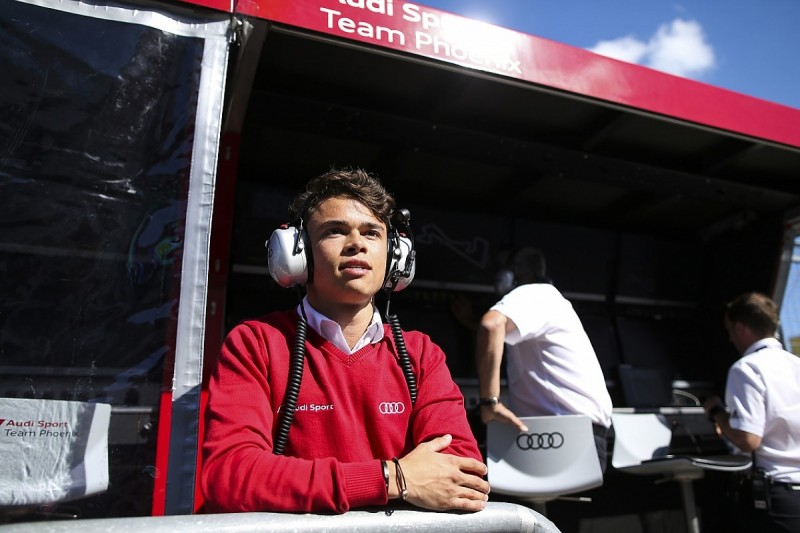 McLaren F1 junior de Vries part of Audi DTM young-driver test team