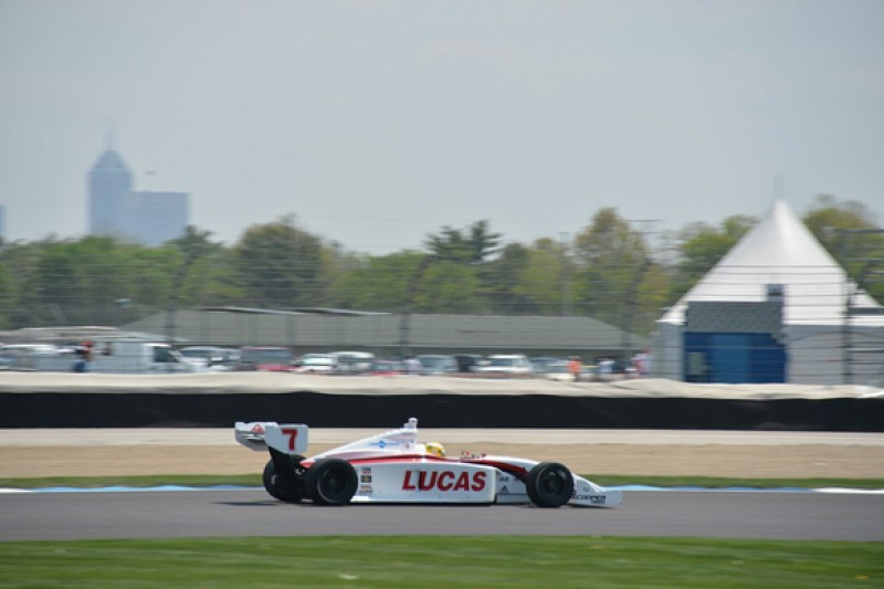 Indianapolis Indy Lights: Luiz Razia on pole for race two