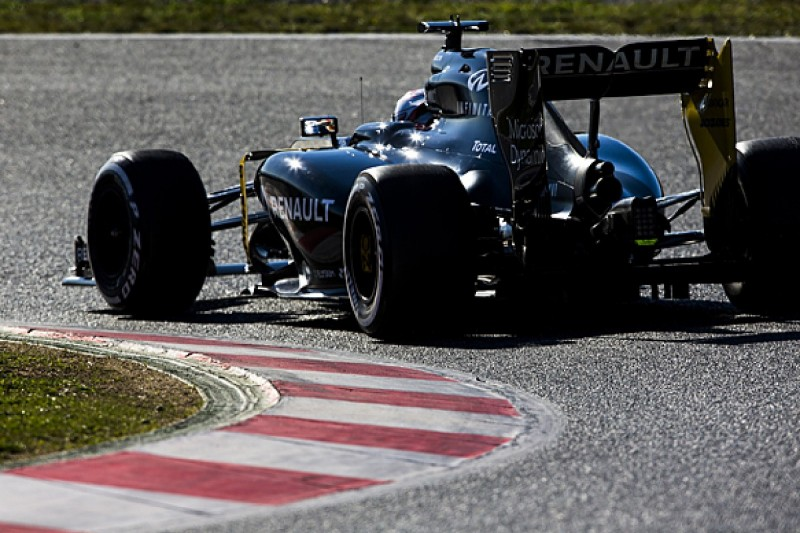 Renault F1 team switches to qualifying work in Barcelona testing