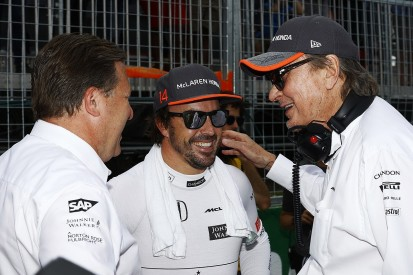 Fernando Alonso commits to McLaren for 2018 F1 season