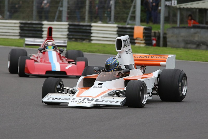 Formula 5000 cars star in Castle Combe Autumn Classic race meeting