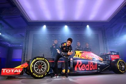 Online F1 launches are artificial, reckons Daniel Ricciardo