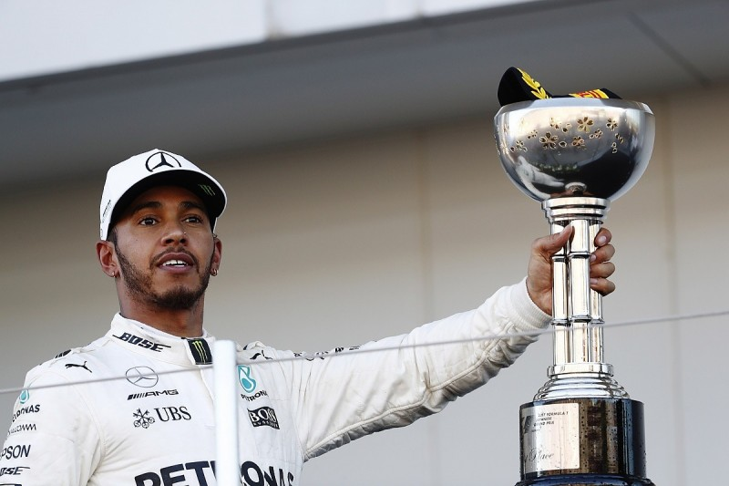 Hamilton says Formula 1 points lead over Vettel is 'unbelievable'