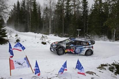 WRC Sweden: Ogier leads VW team-mate Mikkelsen despite early off