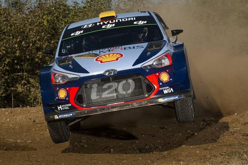 WRC Catalunya: Andreas Mikkelsen takes early lead on Hyundai debut