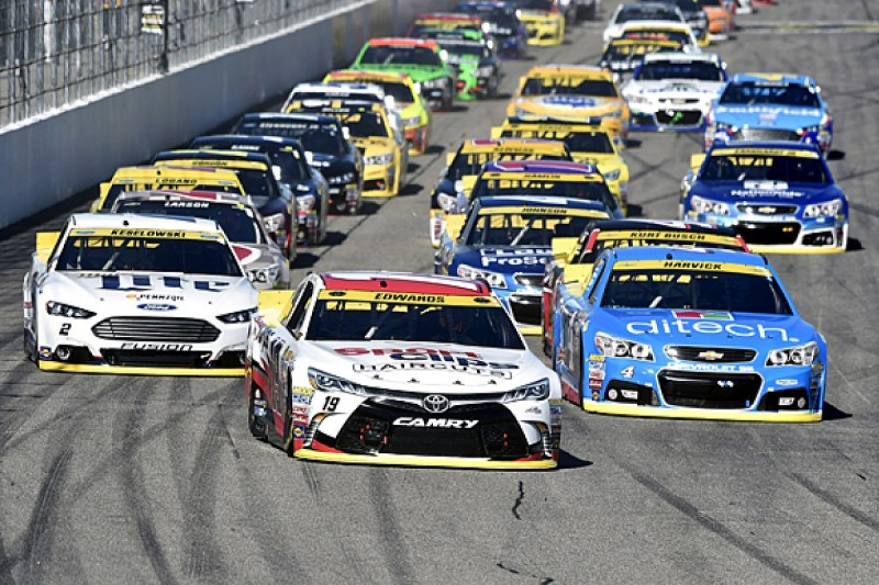 NASCAR to spice up show with introduction of 'overtime line'