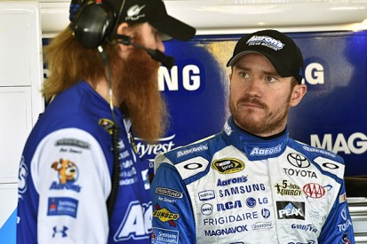 Brian Vickers set to stand in for Tony Stewart in Daytona 500