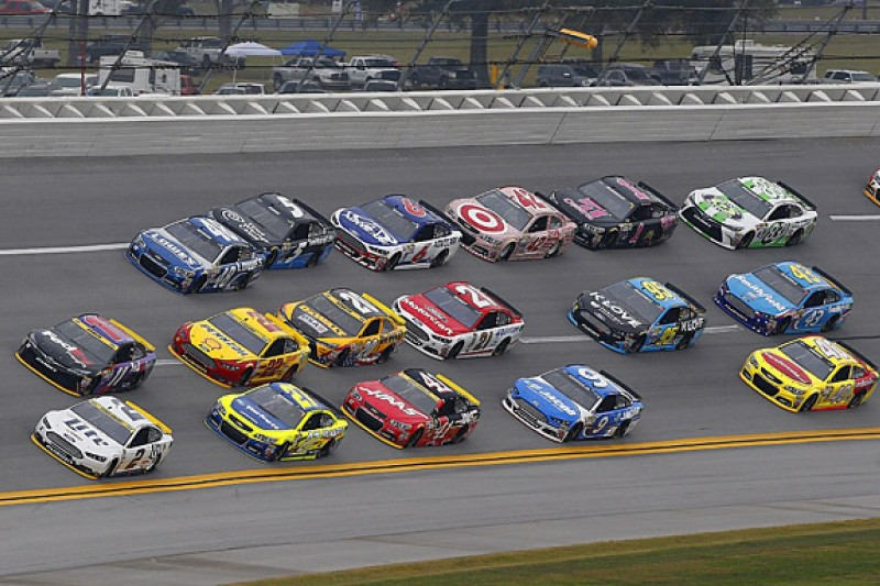 NASCAR Sprint Cup introduces 36 team charter system for 2016