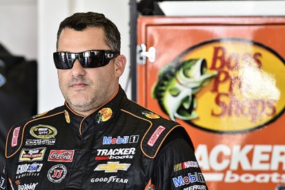 NASCAR's Tony Stewart suffers back injuries in buggy accident