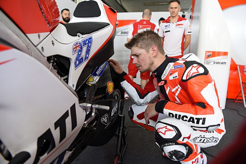 Casey Stoner to go up against 2016 MotoGP field in test for Ducati