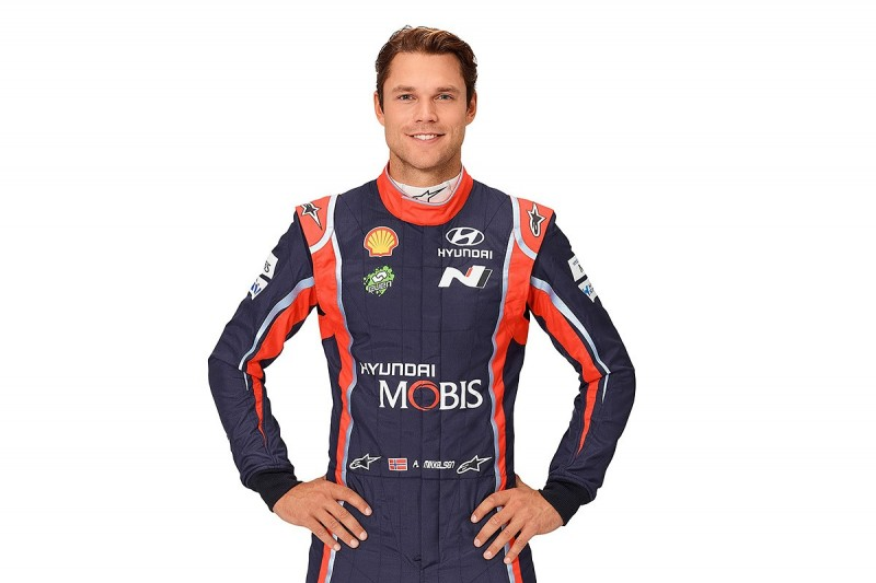 Hyundai signs Andreas Mikkelsen for 2018-19 WRC seasons