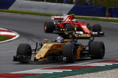 Sainz says Renault F1 team's 2017 progress gives him confidence