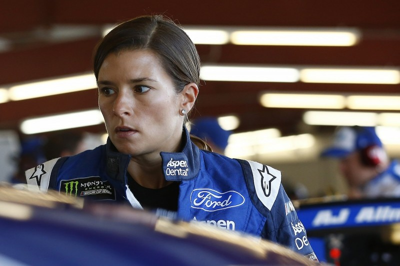 Stewart: NASCAR Cup driver Patrick could go back to IndyCar for '18