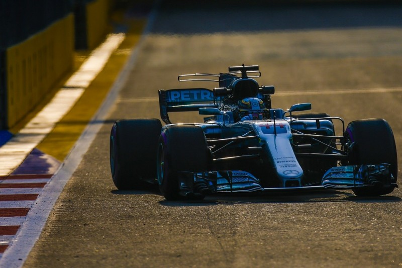 Hamilton feels Mercedes won't fix weaknesses on 2017 F1 car
