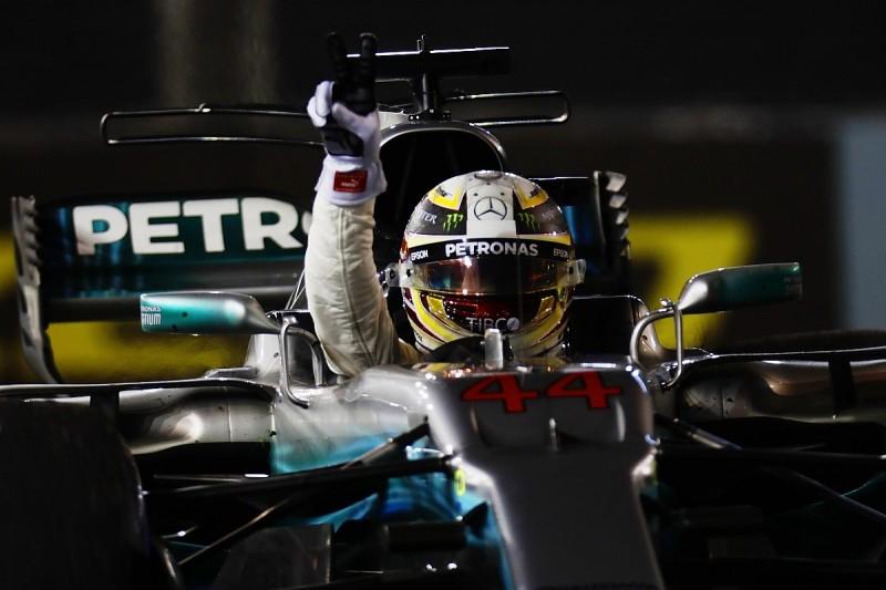 Lewis Hamilton wins Singapore GP as Sebastian Vettel crashes out