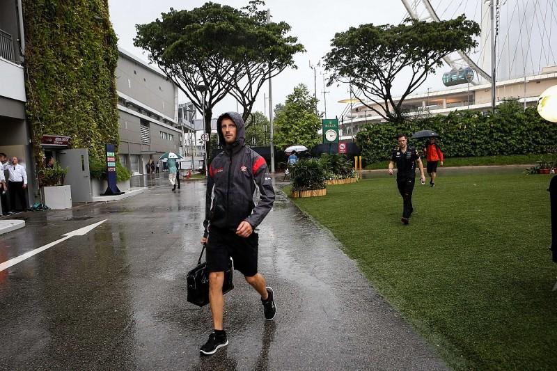 Singapore downpour raises F1 drivers' wet night race concerns