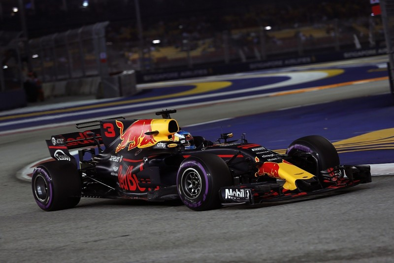 Singapore GP FP2: Ricciardo leads Verstappen in Red Bull 1-2