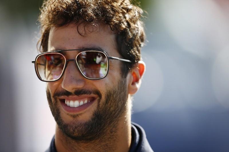Renault made bid to grab Daniel Ricciardo for 2018 Formula 1 season