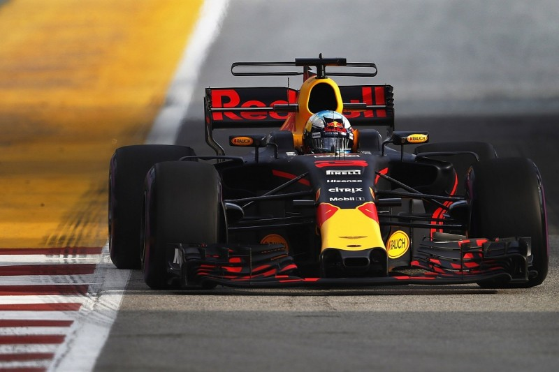 Singapore GP FP1: Daniel Ricciardo fastest for Red Bull