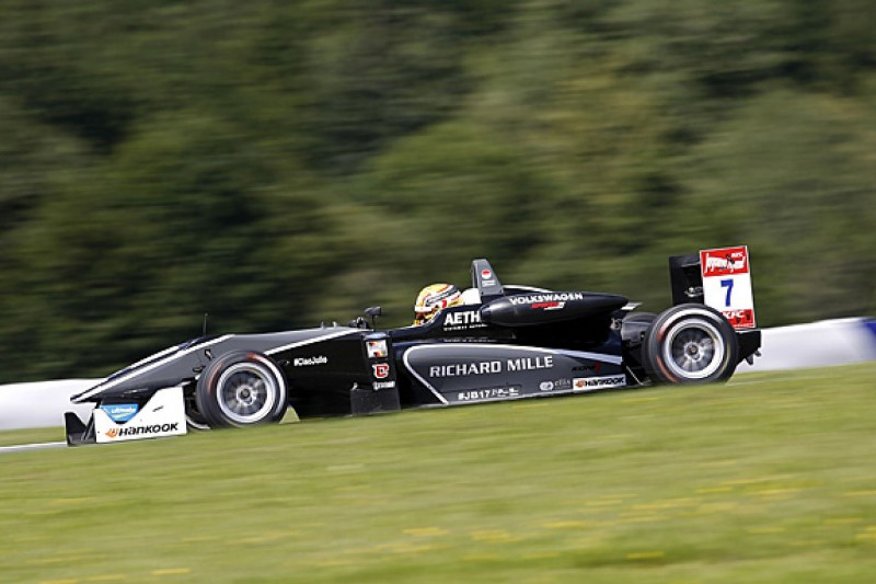 Van Amersfoort switches from VW to Mercedes in Formula 3