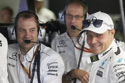 Mercedes F1 team extends Valtteri Bottas's contract for 2018 season