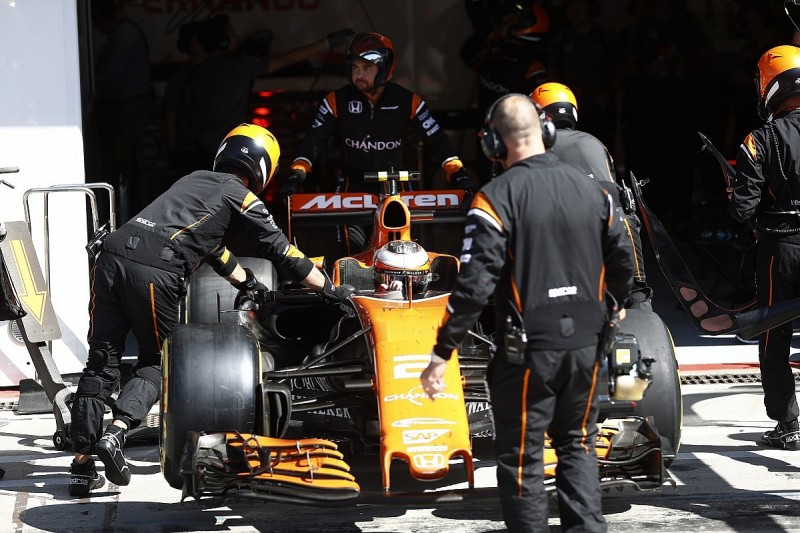 McLaren waiting on Vandoorne F1 engine penalty clearance from Honda