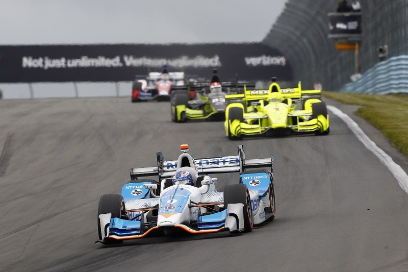 Dixon won't 'overcomplicate' IndyCar finale in chase of fifth title
